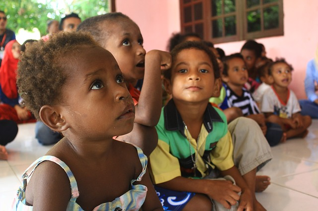 papuan children studying and learning - WOIMA Corporation